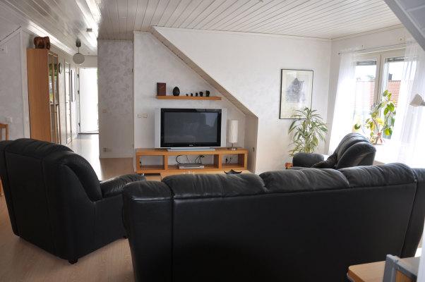 Vardagsrum - Vardagsrummet, tv och dvd finns...