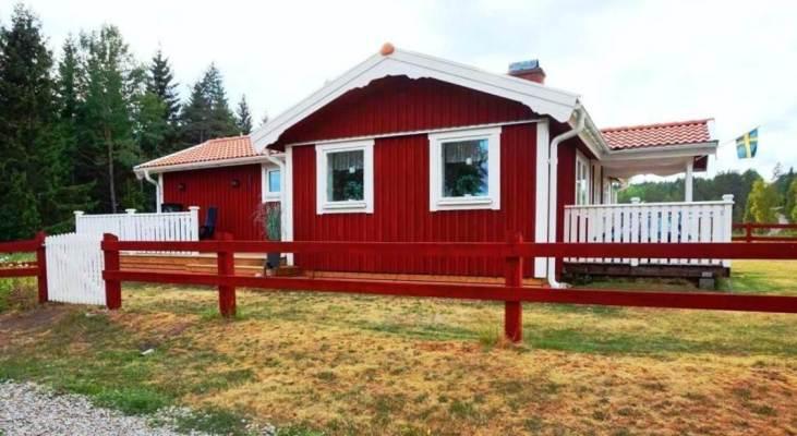 På sommaren - Välkommen till stugan Foxarp in Ydre!