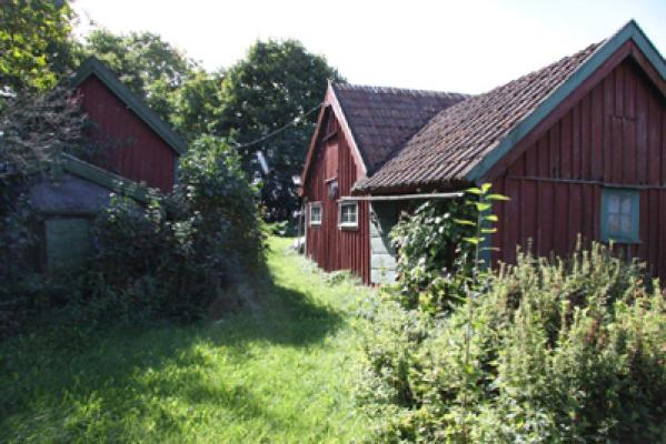 asset.ADDITIONAL_HOUSES - litet stall tillhör huset