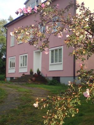 På sommaren - husets framsida