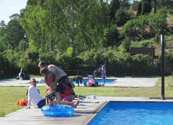 på sommaren - poolområde