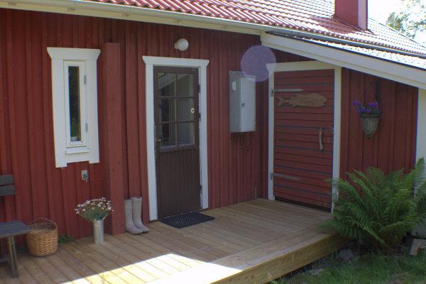 Terrasse - Hintereingang Küche und Eingang Wirtschaftsraum