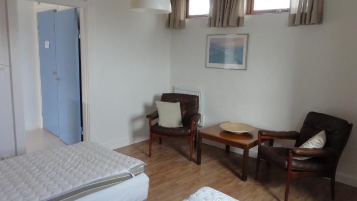 Interiör - möbler i sovrum 1