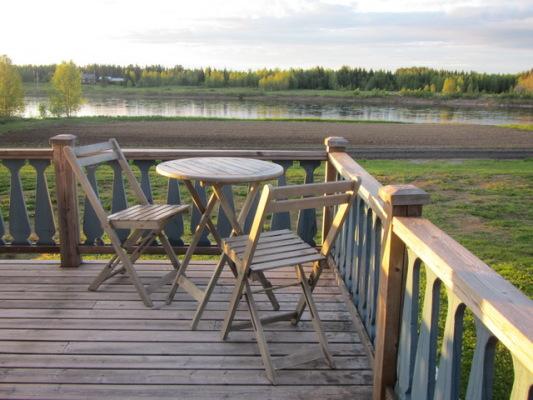 Övrig - Veranda med utsikt över Torne Älv.